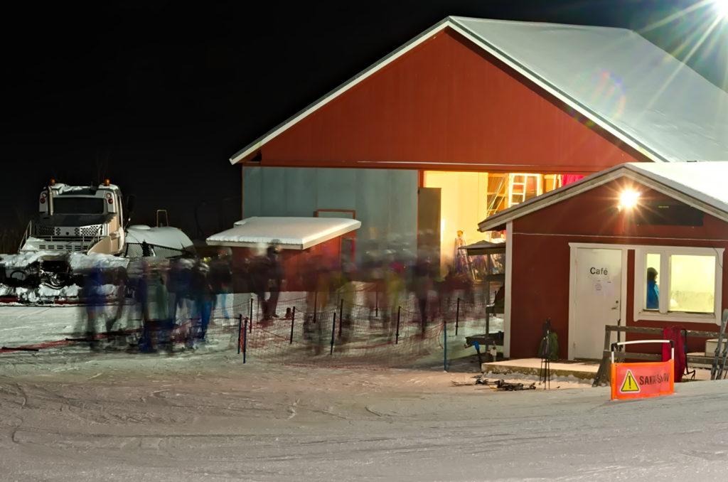 Rörelsen i liftkön på Germundö alpin, Åland.